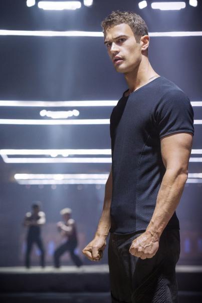 Divergent: una bella immagine di Theo James
