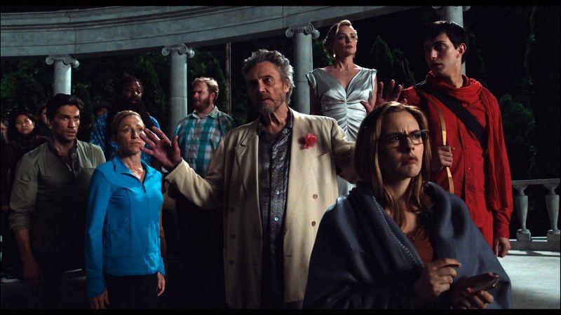 Gods Behaving Badly: Alicia Silverstone, Christopher Walken, Sharon Stone ed Edie Falco in una scena