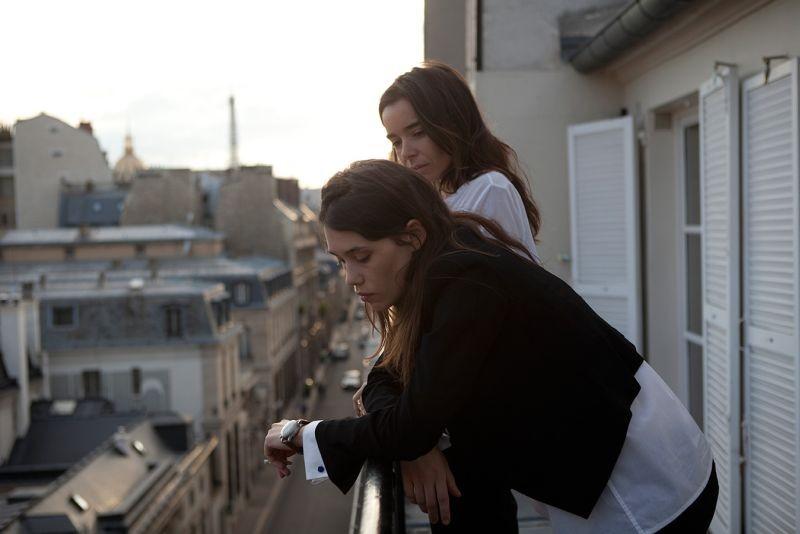 Juliette: la protagonista Astrid Bergès-Frisbey in una scena con Elodie Bouchez