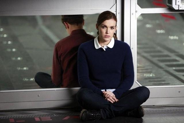 Agents of S.H.I.E.L.D.: Elizabeth Henstridge in una scena dell'episodio FZZT