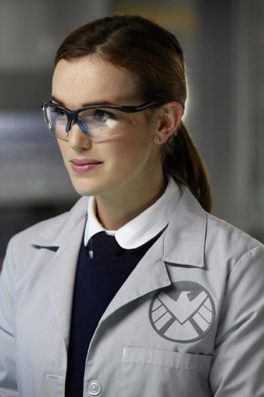 Agents of S.H.I.E.L.D.: Elizabeth Henstridge nell'episodio FZZT