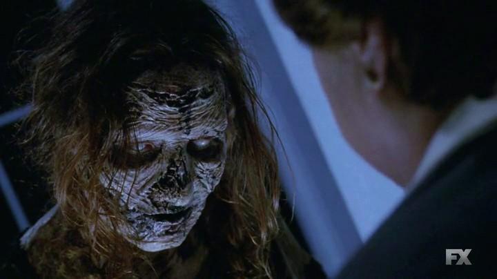 American Horror Story, Coven: Borquita si manifesta a sua madre nell'episodio Burn, Witch Burn!