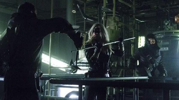 Arrow:  Caity Lotz in una scena dell'episodio della stagione 2, League of Assassins