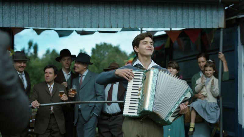 Marina: Matteo Simoni in una scena tratta dal film