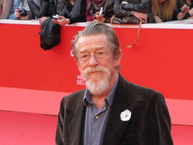 John Hurt al Festival di Roma 2013, sul tappeto rosso della kermesse