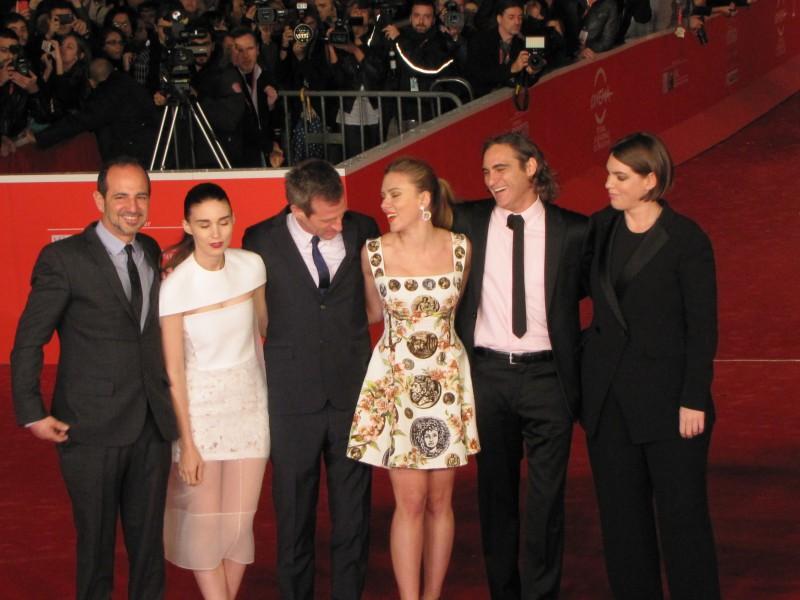 Her a Roma 2013 - Scarlett Johansson con Joaquin Phoenix, Rooney Mara e Spike Jonze sul red carpet