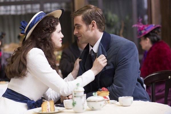 Dracula: Jessica De Gouw ed Oliver Jackson-Cohen nell'episodio A Whiff of Sulphur