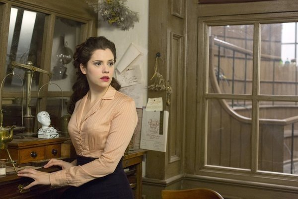 Dracula: Jessica De Gouw nell'episodio From Darkness to Light