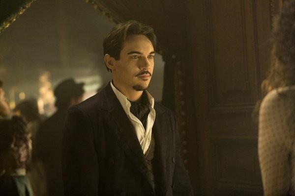 Dracula: Jonathan Rhys Meyers in una scena dell'episodio Goblin Merchant Men