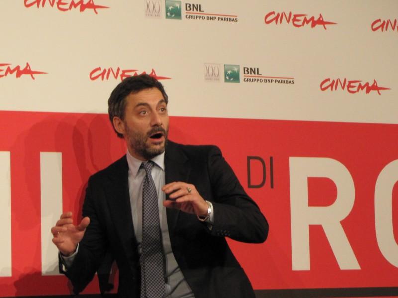 I corpi estranei: Filippo TImi presenta il film a Roma 2013 e scherza con i fotogradfi