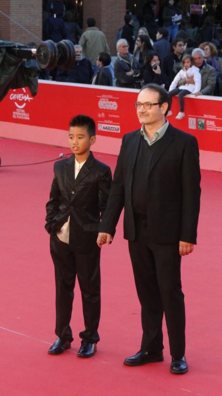 Se chiudo gli occhi non sono più qui: il regista Vittorio Moroni e Kim De Quilla sfilano sul tappeto rosso di Roma 2013