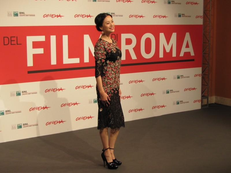 Blue Sky Bones: Ni Hongjie al Festival di Roma 2013 vestita da Dolce e Gabbana