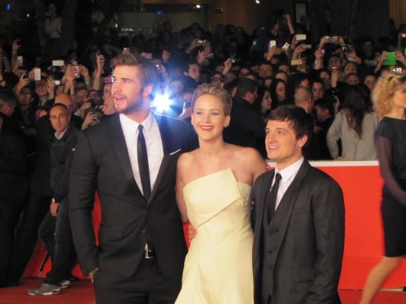 Hunger Games: la ragazza di fuoco, Liam Hemsworth, Josh Hutcherson e Jennifer Lawrence sul red carpet di Festival di Roma 2013