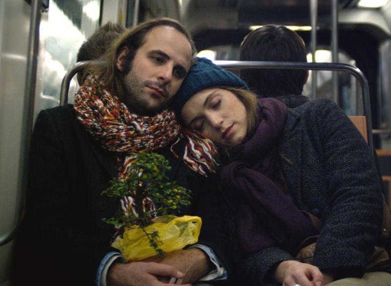 2 automnes 3 hivers: Vincent Macaigne in una scena insieme a Maud Wyler