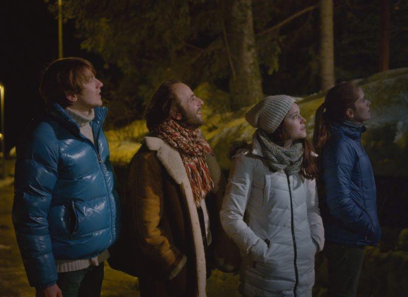 2 automnes 3 hivers: Vincent Macaigne in una scena insieme a Maud Wyler, Bastien Bouillon e Audrey Bastien