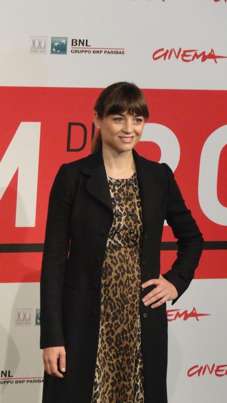 Another Me: una sorridente Leonor Watling al photocall del festival di Roma 2013