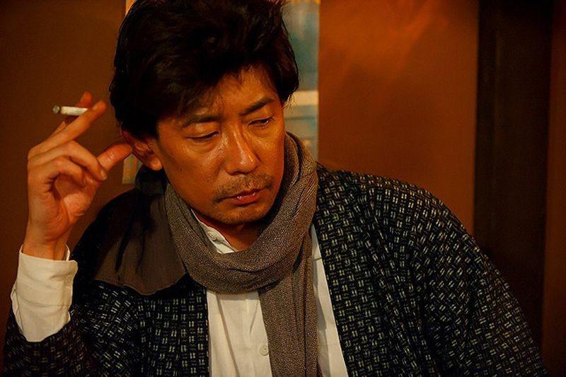 A Woman and War: Masatoshi Nagase in una scena