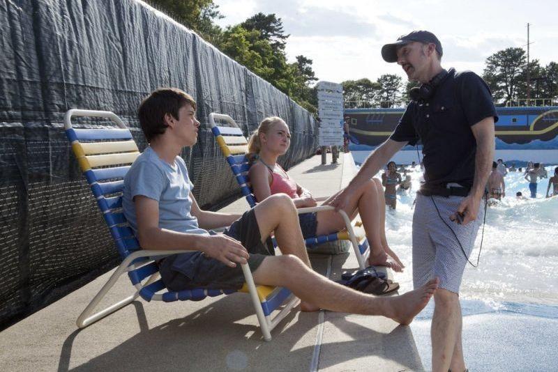 C'era una volta un'estate: il regista Jim Rash in una foto dal set con Liam James e AnnaSophia Robb