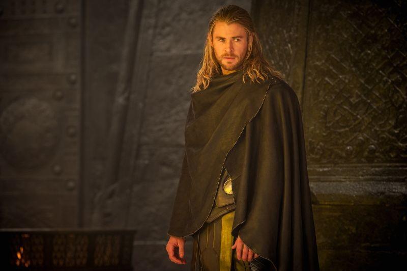 Thor: The Dark World, Chris Hemsworth nei panni di Thor in una scena del film