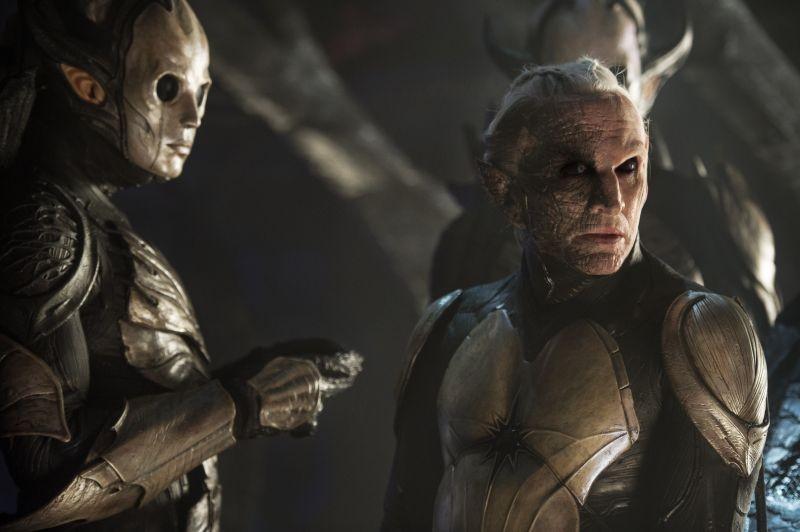 Thor: The Dark World, Christopher Eccleston nei panni di Malekith in una scena del film