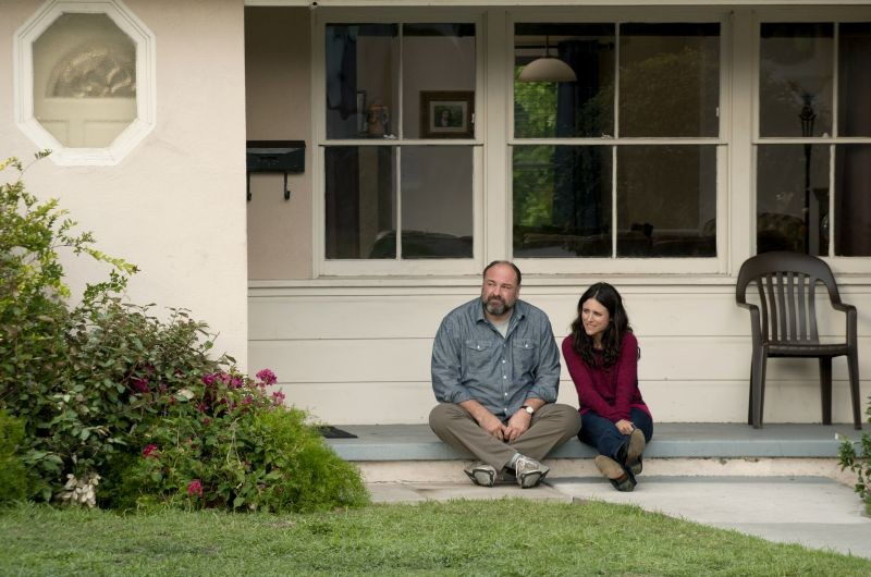 Enough Said: James Gandolfini e Julia Louis-Dreyfus sono Albert ed Eva in una scena