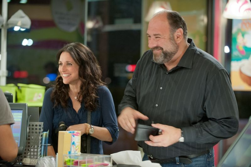 Enough Said: James Gandolfini insieme a Julia Louis-Dreyfus in una scena del film
