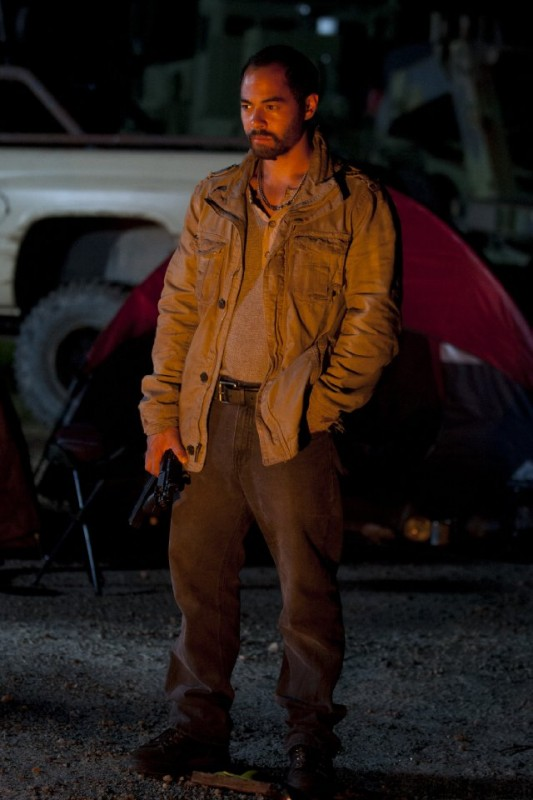 The Walking Dead: José Pablo Cantillo è Caesar Martinez nell'episodio L'esca
