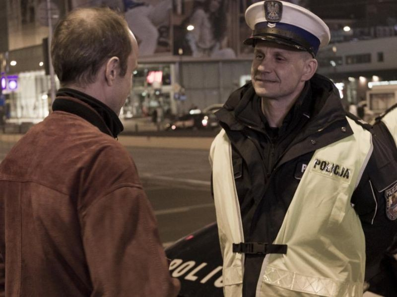 Traffic Department: Bartlomiej Topa in una scena