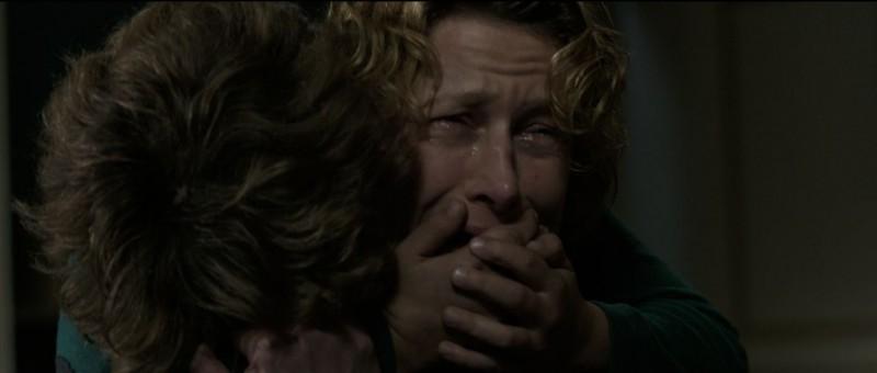Au nom du fils: la protagonista Astrid Whettnall in una drammatica scena