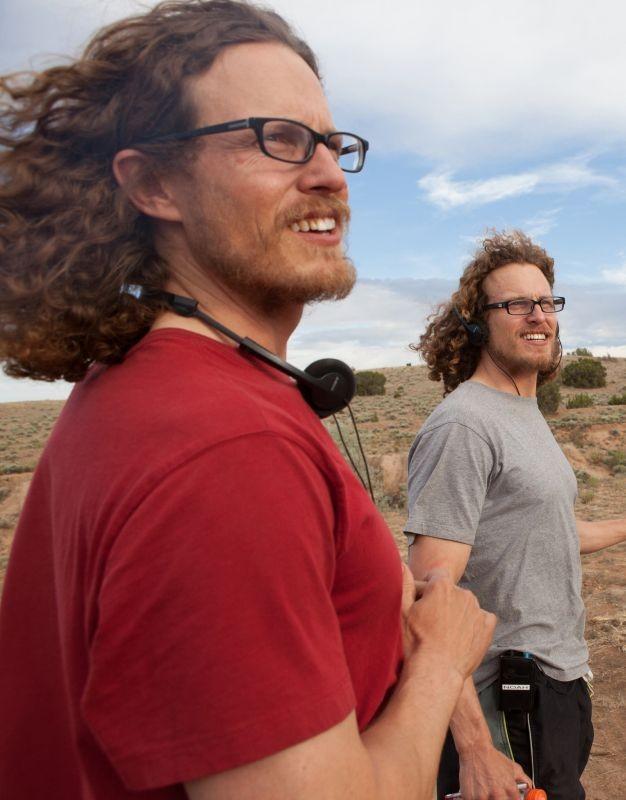 Sweetwater: il regista Logan Miller sul set con il fratello gemello Noah Miller (co-sceneggiatore)