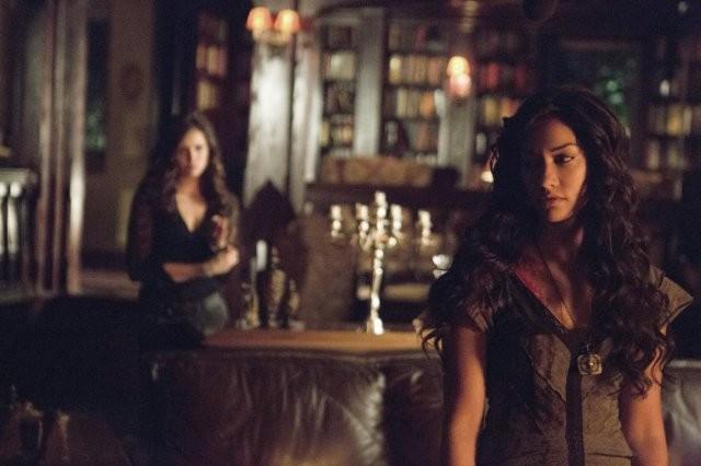 The Vampire Diaries: Janina Gavankar e Nina Dobrev nell'episodio Death and the Maiden