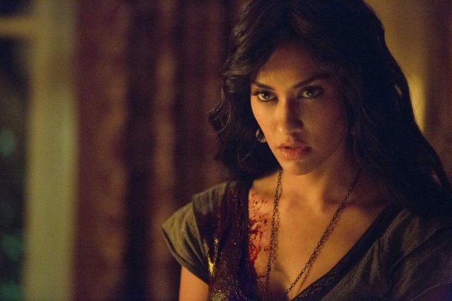 The Vampire Diaries: Janina Gavankar in una scena dell'episodio Death and the Maiden