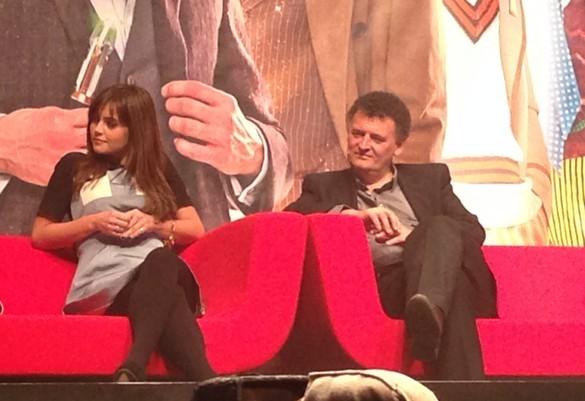 Jenna-Louise Coleman con Steven Moffat alla Doctor Who Official 50th Celebration