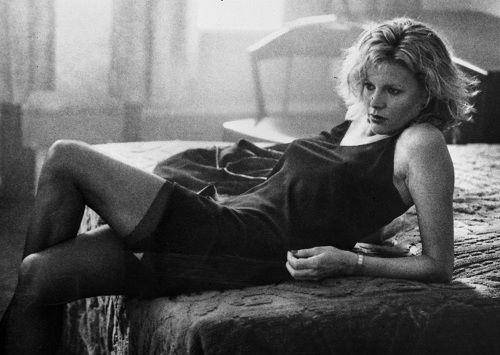 Kim Basinger in una scena di Nove settimane e mezzo.