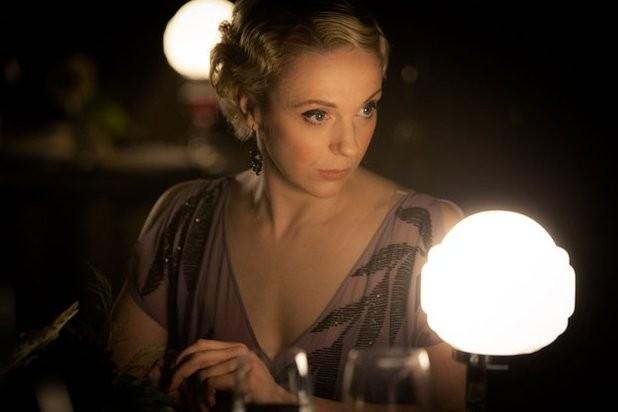 Amanda Abbingotn in un'immagine della terza stagione della seria TV Sherlock