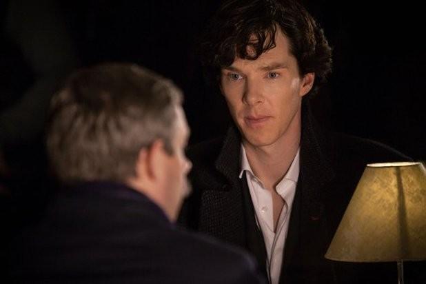 Benedict Cumberbatch e Martin Freeman in un'immagine della terza stagione della serie TV Sherlock