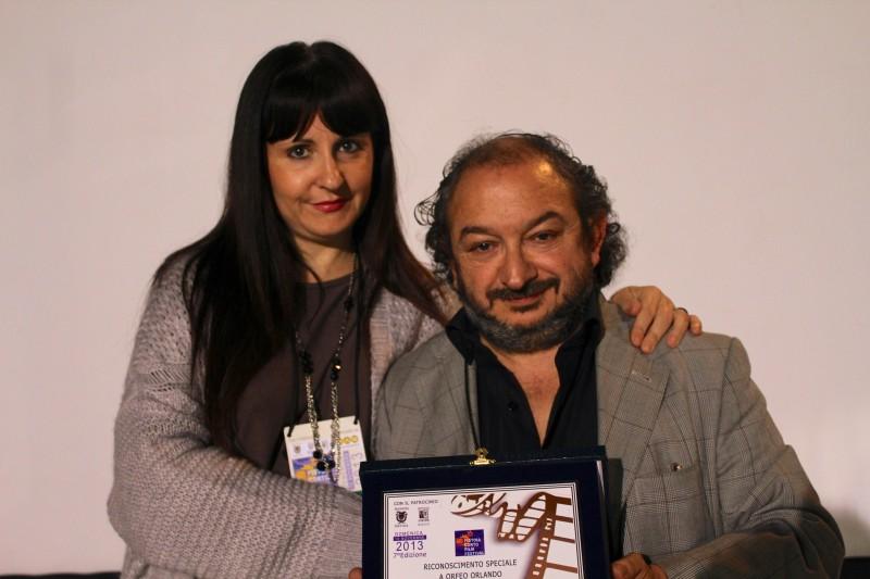Orfeo Orlando (regista) e Barbara Boldri (attrice) con il Premio del Pistoia Corto Film Festival