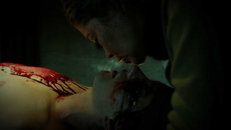 Hansel e Gretel e la strega della foresta nera: Lara Flynn Boyle in una cruenta scena del film