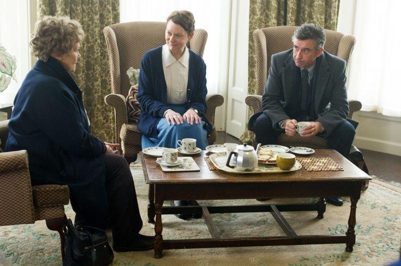 Philomena: Judi Dench e Steve Coogan a colloquio con Cathy Belton (sorella Claire)