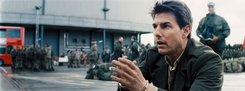 Edge of Tomorrow - Senza domani: Tom Cruise in una scena del film fantascientifico