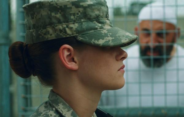 Camp X-Ray: la prima immagine di Kristen Stewart