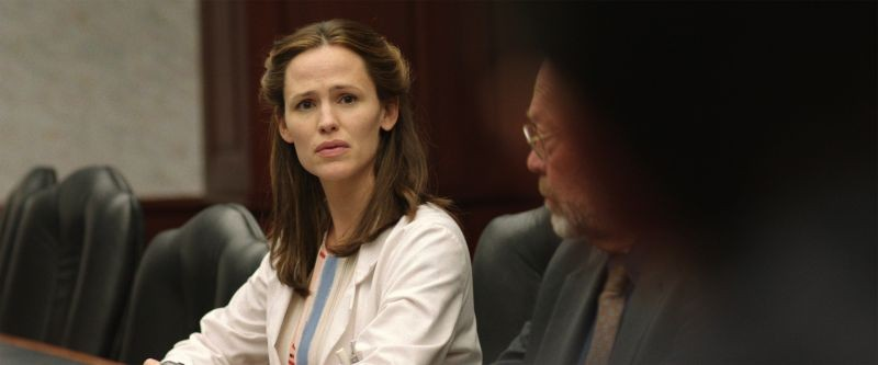 Dallas Buyers Club: Jennifer Garner è la dottoressa Eve Saks in una scena del film