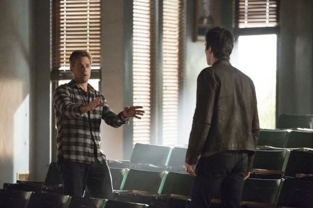 The Vampire Diaries: Ian Somerhalder e Shaun Sipos nell'episodio Fifty Shades of Grayson