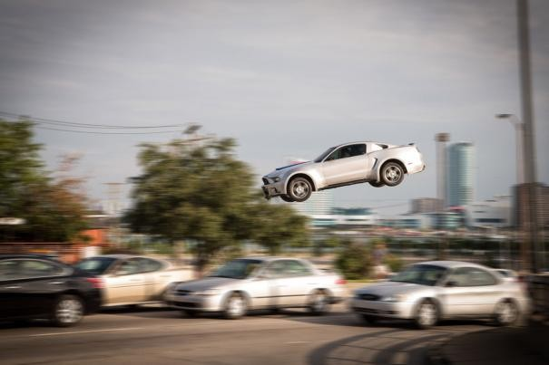 Need for speed: la scena di un acrobatico salto