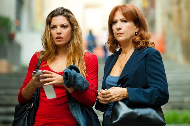 Un posto al sole coi fiocchi: Claudia Ruffo con Marina Tagliaferri nel tv movie celebrativo