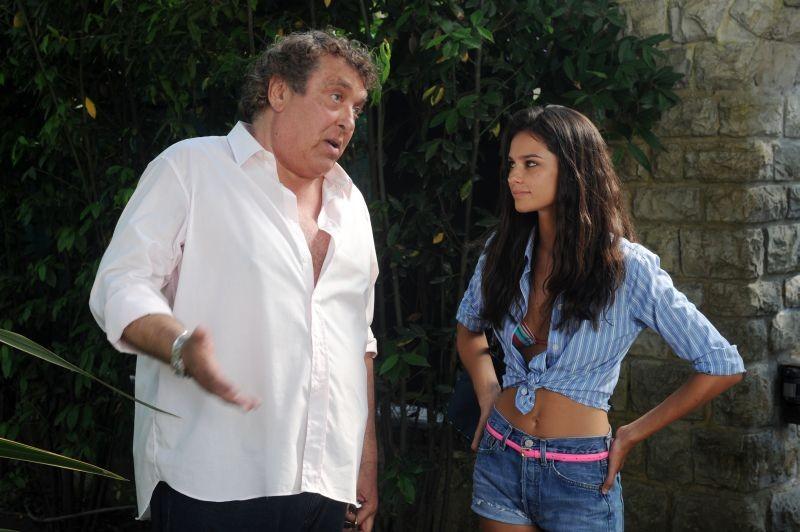 Sapore di te: Maurizio Mattioli in una scena del film con la 'figlia' Katy Saunders
