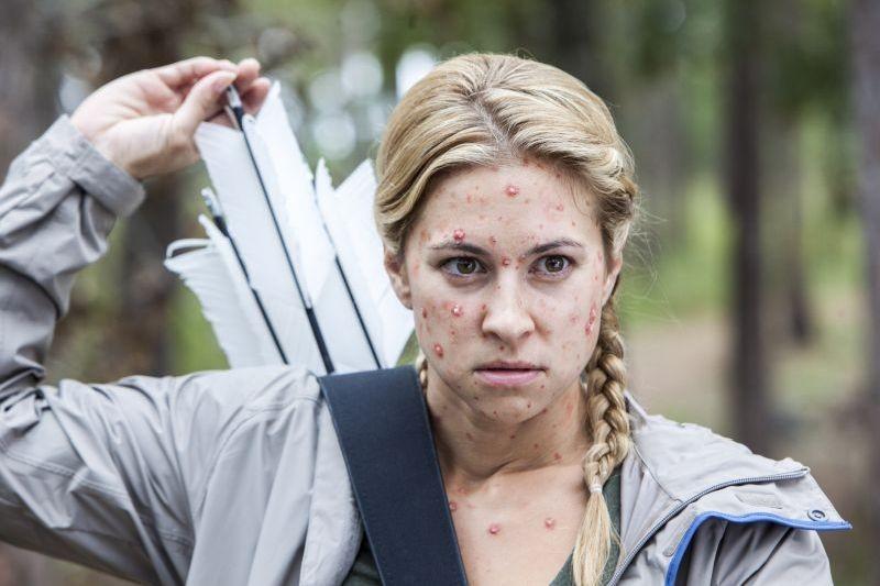 Angry Games - La ragazza con l'uccello di fuoco: Alexandria Deberry in una scena