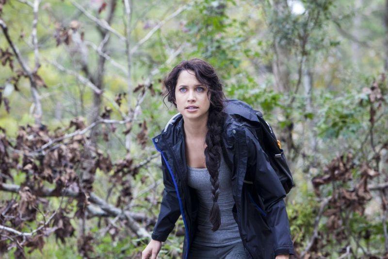 Angry Games - La ragazza con l'uccello di fuoco: Maiara Walsh fa il verso alla Katniss di Jennifer Lawrence