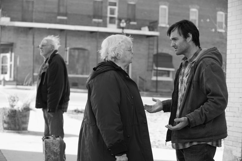 Nebraska: Bruce Dern insieme a Will Forte e June Squibb in una scena del film