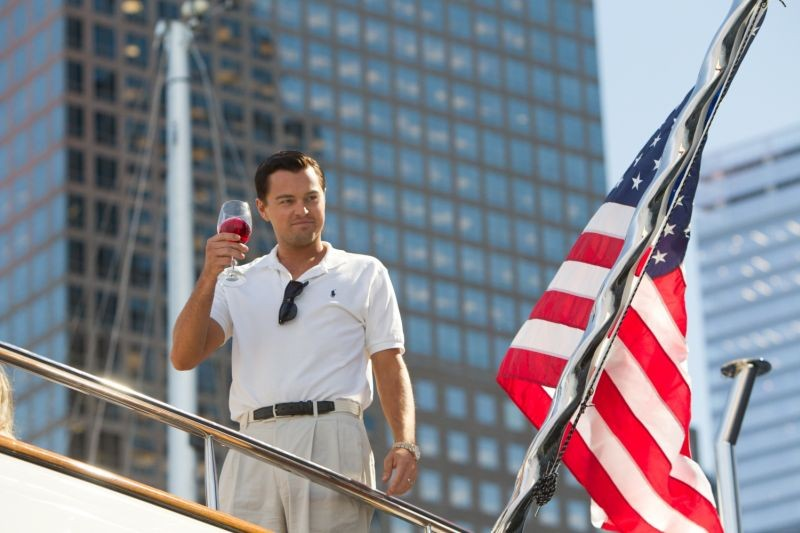 The Wolf of Wall Street: una suggestiva immagine di Leonardo DiCaprio tratta dal film